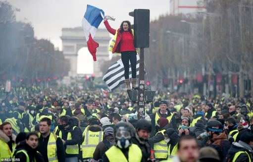 6584964-6424117-Some_3000_police_were_on_the_streets_of_central_Paris_today_wher-a-3_1543099846382